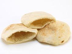 Pita – a zsebes kenyér recept elkészítése - 1. Aki járt már Török- vagy Görögországban, illetve kóstolta konyhájukat, tudja, hogy étkezéskor nem hi... Snack Recipes, Snacks, Chips, Bread, Food, Snack Mix Recipes, Appetizer Recipes, Appetizers, Potato Chip