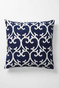 【残り2個・期間限定】Imphal Blockprinted Pillow