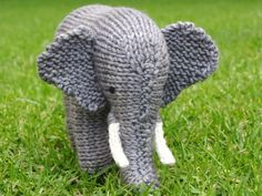 Ravelry: Elephant Pattern pattern by Linda Dawkins. This designer's knit toys are impressive Animal Knitting Patterns, Stuffed Animal Patterns, Crochet Patterns, Stuffed Animals, Crochet Teddy, Crochet Toys, Knit Crochet, Knitted Animals, Baby Knitting