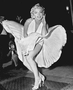 Marilyn Monroe famous shot 'The Seven Year Itch' by a.heart.17, via Flickr Pinned by www.beautyenbijoux.nl