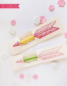 Dress up your Pencils! Free Printable Valentine's Day card template ...