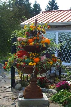 Beautiful Fall Garden Decor Ideas For Inspiration 34 Fall Planters, Garden Planters, Fountain Garden, Geraniums Garden, Ferns Garden, Flowers Garden, Container Plants, Container Gardening, Container Flowers