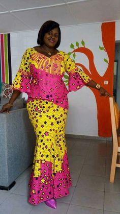 Latest ankara skirt and blouse styles Lum ankara skirt and blouse. Est ankara skirt and blouse 2018 African Fashion Ankara, Latest African Fashion Dresses, African Dresses For Women, African Print Dresses, African Print Fashion, Africa Fashion, African Attire, African Wear, African Women