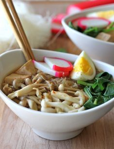 Miso Soup with Vermicelli. Miso Soup with Vermicelli Mushrooms and Tofu - so cozy and so comforting! Soup Recipes, Vegetarian Recipes, Cooking Recipes, Egg Recipes, Family Recipes, Asian Noodles, Rice Noodles, Asian Soup, Asian Recipes