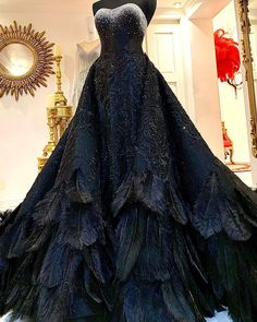 Gala Dresses, Ball Gown Dresses, Event Dresses, Beautiful Gowns, Beautiful Outfits, Debut Gowns, Look Dark, Fantasy Gowns, Fairy Dress