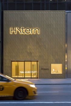 Image 10 of 22 from gallery of H.Stern New York / Studio Arthur Casas. Photograph by Ricardo Labougle Shop Signage, Storefront Signage, Retail Signage, Signage Design, Cafe Signage, Mall Facade, Retail Facade, Cladding Design, Facade Design
