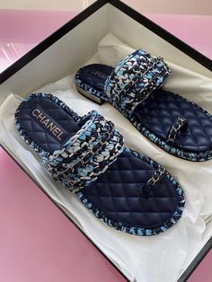 Chanel Sandals, Chanel Purse, Chanel Shoes, Chanel Bags, Handbags Online, Replica Handbags, Designer Handbags, Dr Shoes, Best Designer Bags