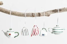 #Weihnachten#weihnchtsanghänger#Gmundner Keramik Minis, Box Container, Tableware, Deco Wall, Ceramic Painting, Crown Molding, Easy Diy, Dinnerware, Tablewares