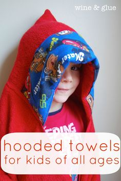 A free pattern that makes a great hooded towel that will fit your kids from the baby stage all the way up through the older kid stage!