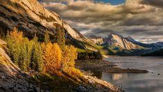 https://earthporn.co/sightseeing/north-america/canada/medicine-lake-jasper-national-park.jpg