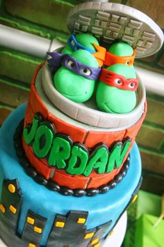 Teenage Mutant Ninja Turtles Party with Lots of Really Cool Ideas via Kara's… Ninja Turtle Birthday Cake, Turtle Birthday Parties, Birthday Ideas, Birthday Diy, Happy Birthday, Ninja Party, Ninja Turtle Party, Teenage Ninja Turtles, Party Ideas