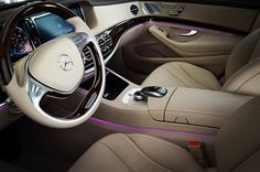 La version allongée de la cinquième génération de Mercedes Classe E #AutoChina2016 #MercedesBenz #Mercedes #sixtgram #mbcar #mbgram #luxury #luxurycar #EClass #beautifulcar #design #instacar Hotels-live.com via https://www.instagram.com/p/BEog_RdgkKk/ #Flickr