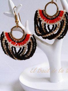 Hola urraquit@s!    Bienvenid@s a mi pequeña tienda.  Aquípodréisencontrar una amplia variedad de complementos llenos de encanto y origi... Tassel Jewelry, Bead Jewellery, Diy Jewelry, Beaded Jewelry, Jewelery, Handmade Jewelry, Fashion Jewelry, Beaded Earrings Patterns, Bead Earrings