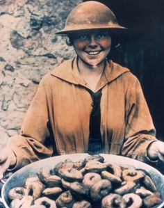 Salvation Army Donut Lassies served troops in the trenches during WWI