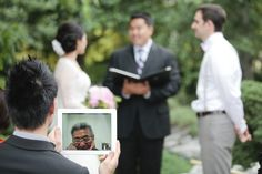 Facetime/Skype: Bring the wedding to relatives who couldn't make it !