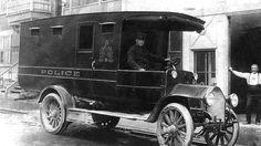 Fourgon cellulaire Stagemen, Montreal - Service de police de la ville de Montréal — Wikipédia