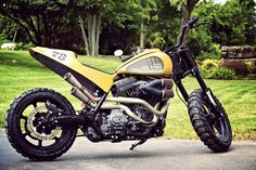 Harley-Davidson Fat Tracker - based on a 2009 FLHR Road King with (amongst other things) a 107 CI (1750cc) motor.