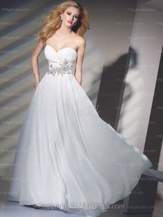 A-line Sweetheart White Beading Chiffon Floor-length Prom Dress at Millybridal.com