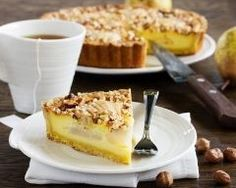 Tarte croustillante aux poires : http://www.cuisineaz.com/recettes/tarte-croustillante-aux-poires-38662.aspx