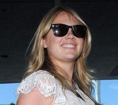 Kate Upton loves RayBan Wayfarer RB2140 Sunglasses www.foursunnies.com