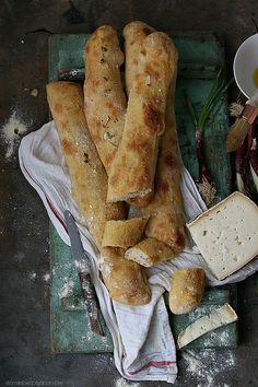 Pane stirato con cipollotto di Tropea i.g.p.
