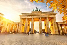 Interactive map of Berlin with all popular attractions - Brandenburg Gate, Reichstag, Alexanderplatz and more. Take a look at our detailed itineraries, guides and maps to help you plan your trip to Berlin. Hotel Berlin, Berlin City, Berlin Wall, London City, Best Hotel Deals, Best Hotels, Cheap Places To Travel, Places To Visit, Berlin