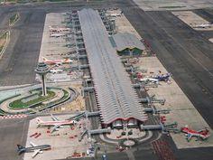 Terminal 4 Aeropuerto Adolfo-Suárez Madrid-Barajas, Spain