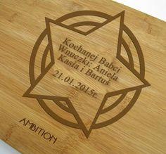 Deska do krojenia wykonana z trwałego bambusa będzie pomocna nie tylko w każdej kuchni! Przygotowując wszelkie potrawy Babcia zawsze będzie pamiętać o osobach które wręczyły prezent! http://bit.ly/1FKx0Ua