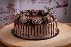 Receta tarta de Oreo y chocolate con bizcocho, fácil y rápida de preparar | Sin buttercream | Chocoreto Recetas Chocolate, Cake, Desserts, Food, Crack Cake, Sweets, Pies, Tailgate Desserts, Deserts