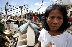La ayuda a los afectados por el tifón Haiyan en Filipinas llega muy lentamente a quienes lo necesitan http://www.rtve.es/f/123255/ vía @Rtve