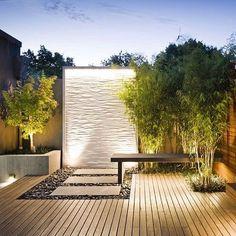 Jardim lindo extensão da área de lazer.