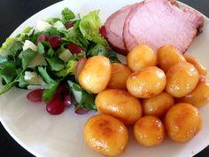 Hamburgerryg og brunede kartofler (recipe in Danish)