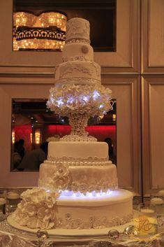 glendale wedding cakes - beautiful layered lights elegance