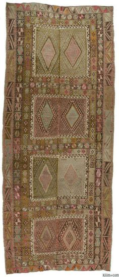 Charming, finely woven vintage Turkish kilim rug hand-woven in the Kayseri region of Central Anatolia, Turkey. This kilim with two wings is around 70 years old and in very good condition.