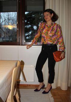 flashshirt orange bag Orange Bag, Photo And Video, My Style, Bags, Fashion, Orange Purse, Handbags, Moda, Fashion Styles