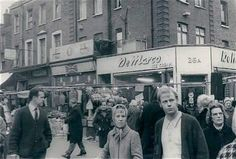 Islington. Late 60s early 70s. Vintage London, Old London, Old Pictures, Old Photos, Swinging London, Bethnal Green, London History, North London, London Photos
