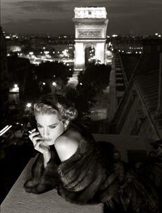 Vogue Italia, 1986 Photographer : Albert Watson Model : Lisa Kaufmann