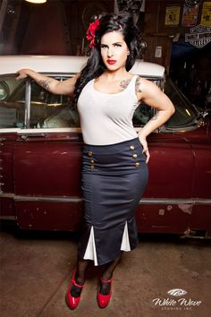 Love the Rockabilly style!
