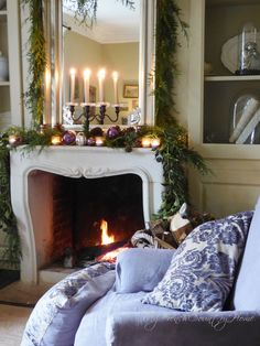christmas decor around the fireplace