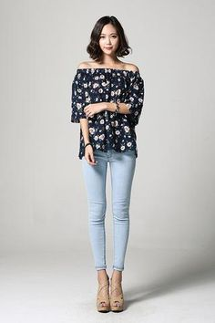 Off-shoulder Flower Blouse NB-S