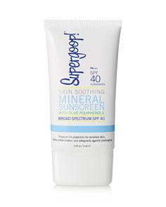 Supergoop! mineral sunscreen SPF 40. Details at une femme d'un certain age.