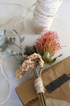 Melanie's Dried Floral DIY Wrapping Tutorial