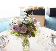 #amandanblue #novarese #vressetrose #Wedding #blue #purple# whitegreen #Flower #Bridal #guesttable#table coordination#アマンダンブルー#ノバレーゼ#ブレスエットロゼ #ウエディング# ブルー #パープル #ブルー#テーブル#ゲストテーブル #会場装花#結婚準備#花#ナチュラル# ブライダル#結婚式#ナチュラル#ブレスエットロゼ鎌倉 Wedding Guest Table, Wedding Reception, Table Flowers, Flower Images, Wedding Images, Big Day, Wedding Flowers, Floral Design, Bouquet