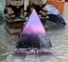 Piramide de 7cm en tonos rosa y lila