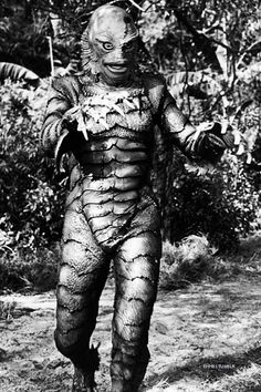 Creature From The Black Lagoon Classic Monster Movies, Classic Horror Movies, Classic Monsters, Fantasy Movies, Sci Fi Movies, Mermaid Wallpaper Backgrounds, Horror Monsters, Monsters Ink, Scary Monsters