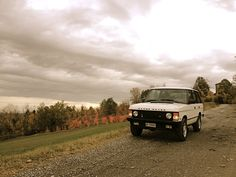 1993 Range Rover Vogue se in Italian countryside