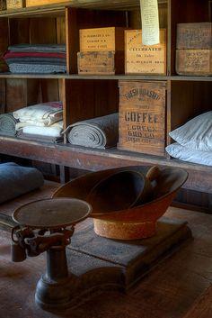 Olde Prims...wooden coffee box.