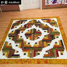 Love love love this! This is from our Curved Log Cabin tutorial and it's also in #block magazine as the Simple Joys Quilt #Repost @mtclifford ・・・ The top is done! Simple Joys quilt by MSQS. Made with Bedfordshire by Jinny Beyer and some add ins. Any suggestions on quilting it? #simplejoysquilt @missouriquiltco #logcabin #msqcshowandtell
