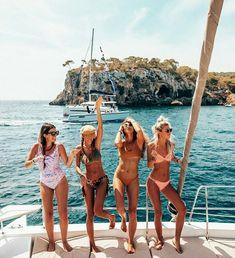 """""""Going to need a bigger boat"""" summer nights, summer vibes, best friend Bff Pictures, Best Friend Pictures, Friend Photos, Squad Pictures, Lake Pictures, Instagram Girls, Photo Instagram, Disney Instagram, Instagram Summer"""