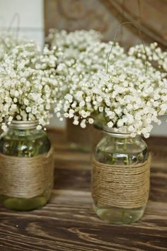 75 Ideas For a Rustic Wedding: A barnyard-themed wedding serves as a beautiful background but can be pretty expensive if you don't own a farm yourself. Mariage Rustique 75 Ideas For a Rustic Wedding Outdoor Wedding Decorations, Wedding Table Centerpieces, Reception Decorations, Simple Table Decorations, Budget Wedding Decorations, Shabby Chic Centerpieces, Inexpensive Wedding Centerpieces, Rehearsal Dinner Decorations, Tree Decorations
